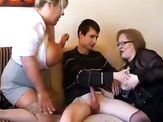 Old fat slutty granny in pantyhoes fucked hard in triad