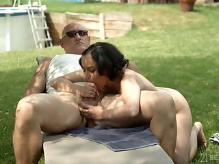 Emotional MILF with saggy knockers Yasmeena rides fat cock wild