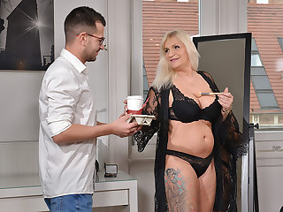 Someone's skin Diva's Horny Assistant!