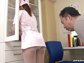 Be transferred to pressure increased because of Japanese pretty young nurse Anna Kimijima