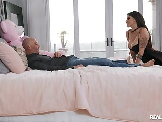 Fidgety woman with big ass, insane hard sex in bed