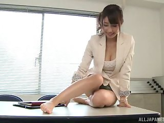 Making out in the sky the office table about sexy secretary Shunka Ayami