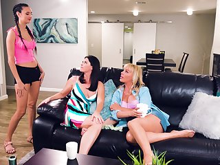 Lesbians are keep to start their first threesome shag
