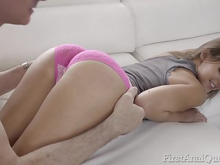 Slender girl with plump spoils Amirah Adara gets her anus rammed and takes cumshots in mouth