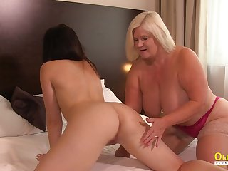 OldNannY British Adult Licking Sapphist Girlfriend
