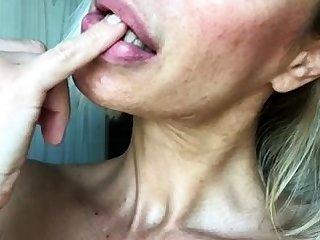 British Grown up Blonde Masturbate Atop Cam