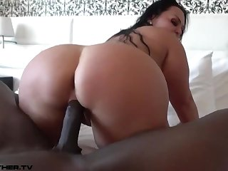 Big Arse Cougar Loves Black Knob