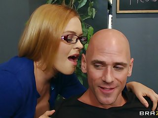 Luring secretary Krissy Lynn loves having lovemaking on the office table