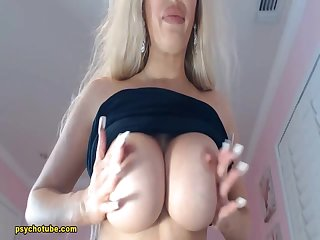 Delectable Blonde Simply Too Tasty To Watch