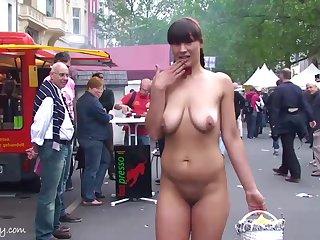 Chubby Luna Amateur Public undressed