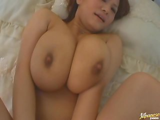 Hardcore fucking in missionary with super housewife Chichi Asada